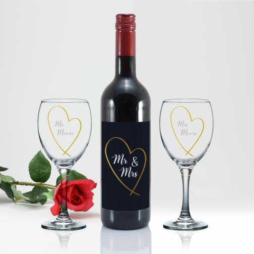 Mr & Mrs Gold Heart Red Wine Gift Set
