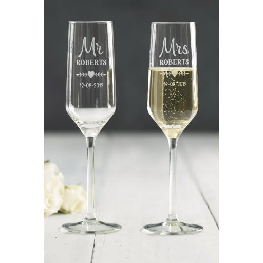 Champagne Flutes Mr & Mrs
